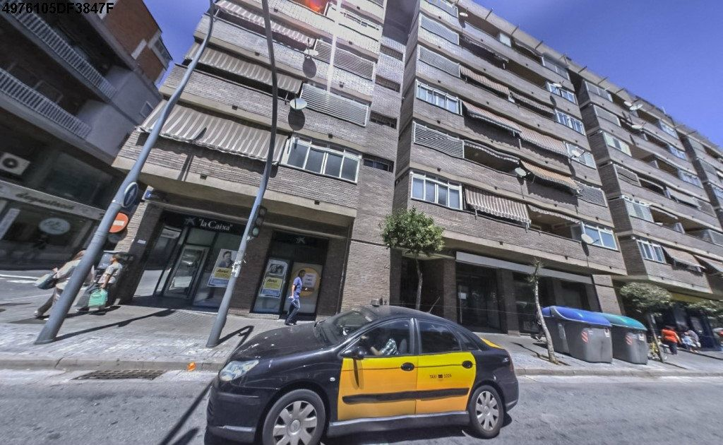 Location Local commercial  Carrer aribau. Apto para cafeteria