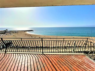 Location Appartement  Centre poble.. Pis de 170 m2 a 1a. línia de mar