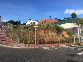 Terreny residencial  Z. rials-garrofers. Parcela de 460mts a 3v vista mar