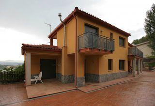 Haus in Castellví de Rosanes
