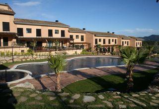 Casa adosada en Sant Esteve Sesrovires. Casa venta masia bach!!!!