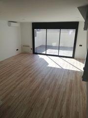Semi detached house in La plana. !! obra nueva !!