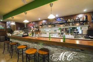 Locale commerciale in Carrer ulla, 7. Bar-taverna en venta