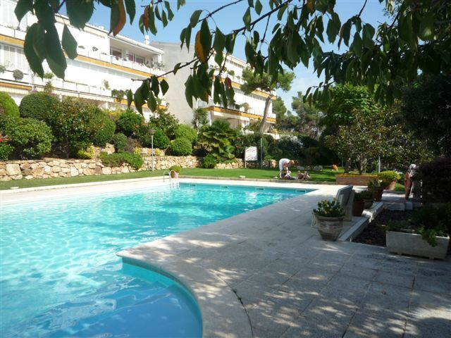 Location Appartement  Politur. Casa con piscina