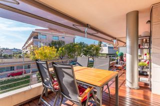 Appartamento  Carrer torrent can gaio. Piso con terraza, piscina y pk