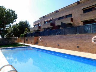 Casa adosada  Carrer tenor viñas. Casa con vistas al mar y piscina