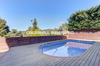 Casa  Vallvidrera. Jardín, piscina y vistas