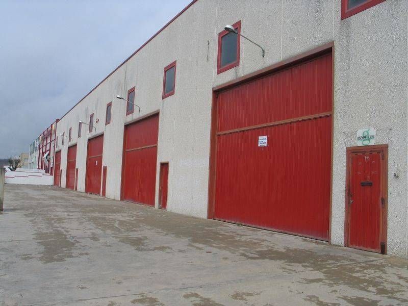 Rent Industrial building  C-35. Con muelle carga/descarga