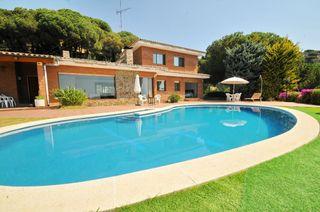 Casa  Urbanització. Casa a 4 vents amb piscina