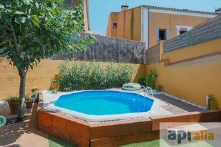 Maison dans Vilassar de Dalt. Casa con piscina y jardín