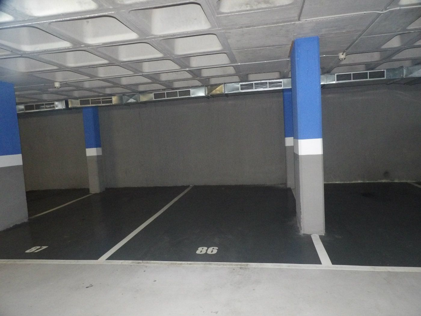 Car parking  Carrer pare sallares. Parking al centre