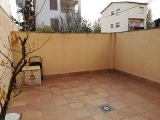 Semi detached house in Carrer nou, 43. Casa seminueva