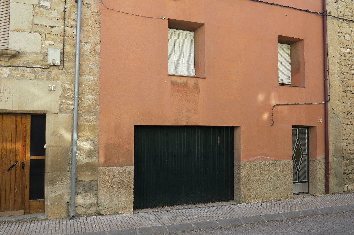 Casa in Carrer raval de tarrega, 25. Casa de poble