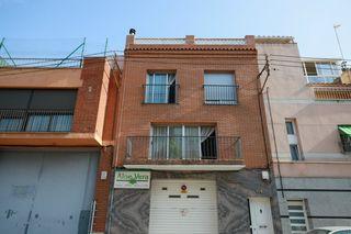 Casa en Carrer solsona, 101. Casa amb local i terrasses