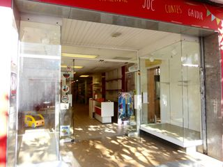 Location Local commercial à Carrer rubio i ors, 189. Zona super comercial