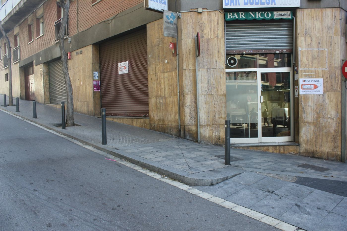 Local Comercial  Carrer aguileres. Bar con salida de humos