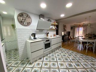 Appartamento  Carrer peru. Precioso piso con acabados de 1ª