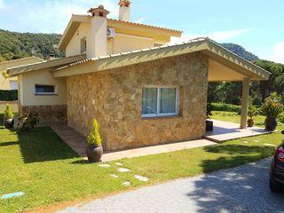 Casa  F4  roca de malvet  &  id. Preciosa de 119m2, parcela 970m2