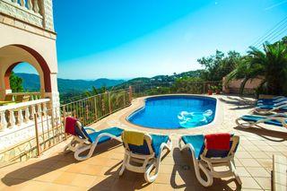Haus  F12 id &. Gran casa con magnificas vistas!