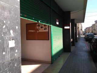 Lloguer Local Comercial  Carrer vila cinca. Local en perefecto estado