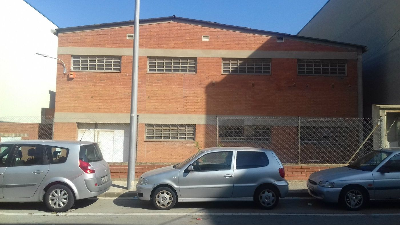 Rent Industrial building  Carrer andorra. Nave aislada