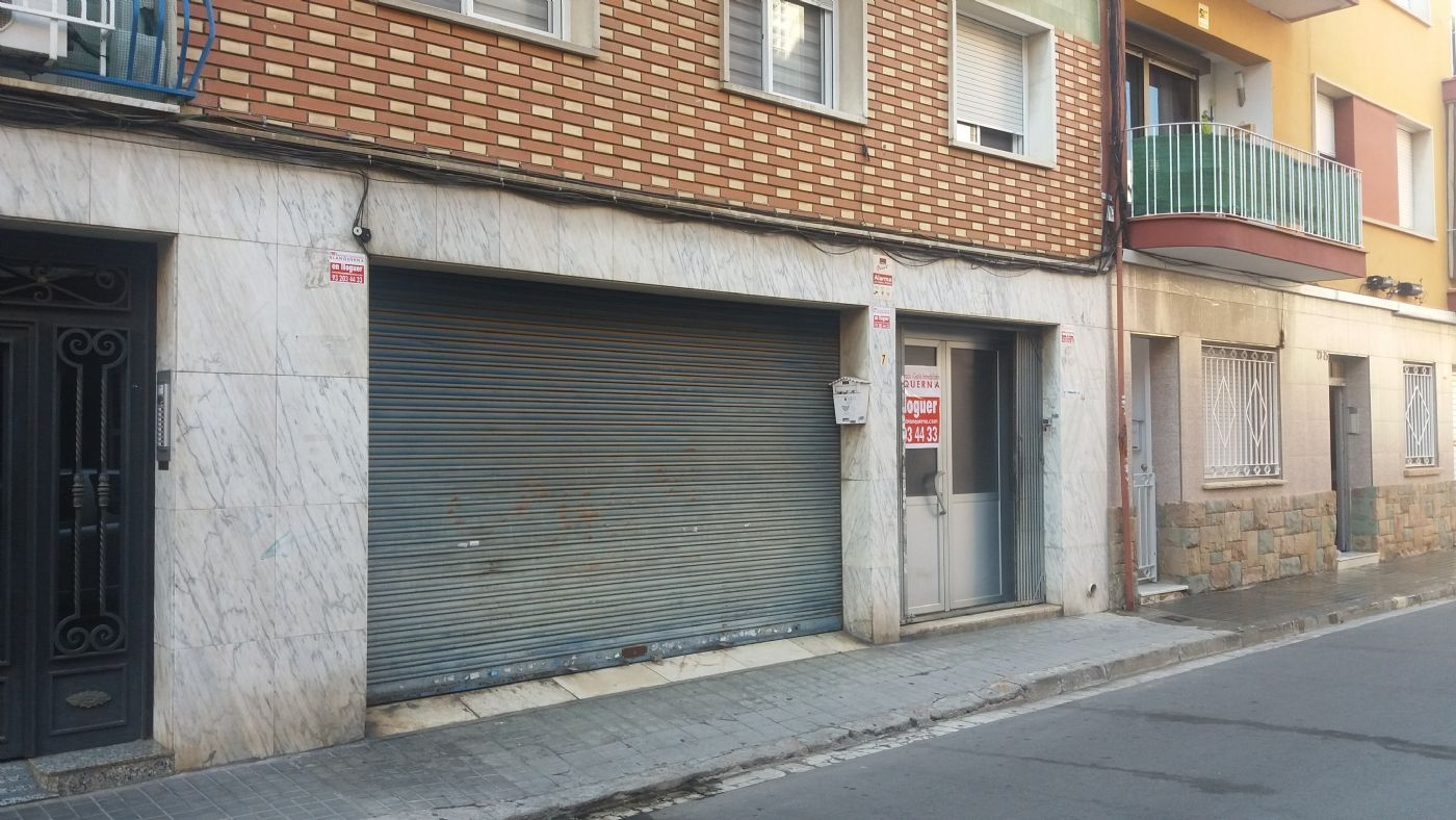 Location Local commercial à Carrer lleida, 7. Local comercial en el gorg