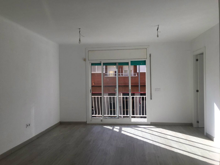 Flat  Cerca del metro llefiá (l10). Magnifico piso