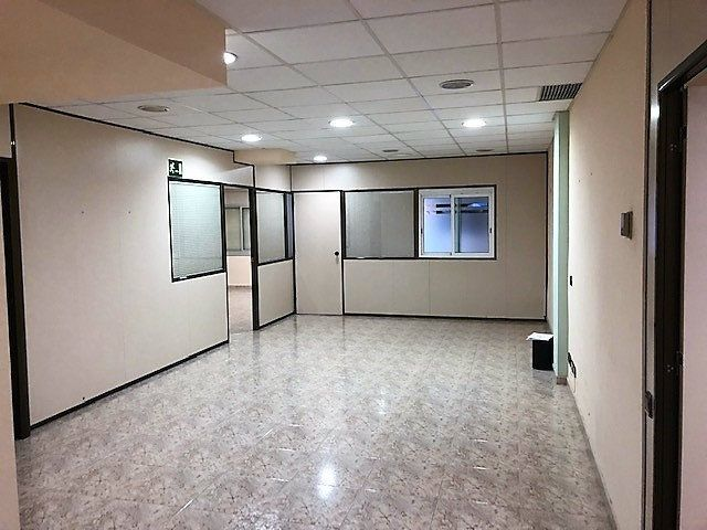 Office space  Zona moli vell. Local comercial