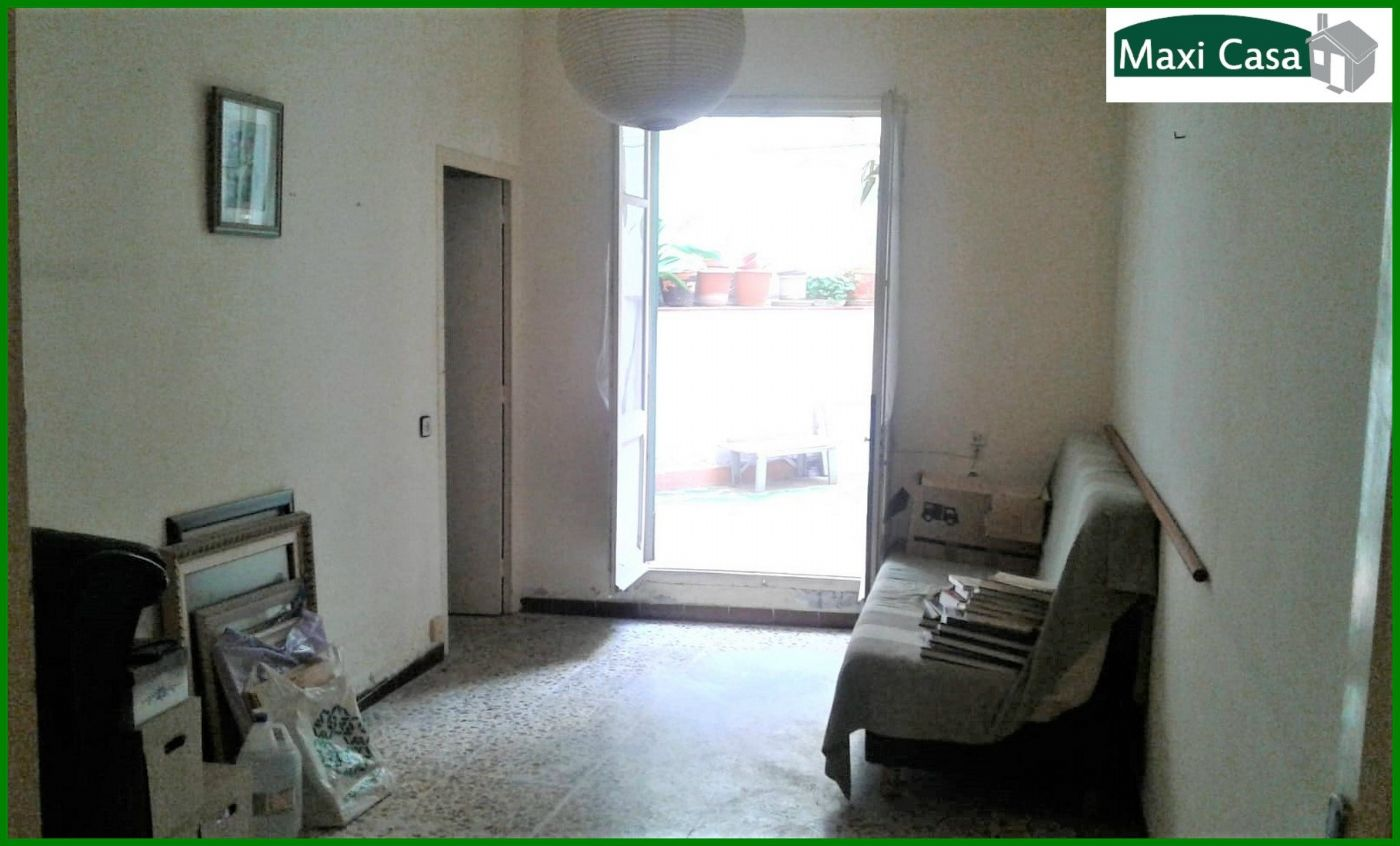 Appartement  Carrer luarca. Pubilla cases-pta bja con patio