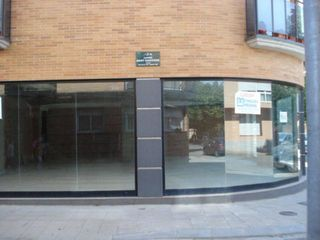 Alquiler Local Comercial en Carrer mary santpere, 2 local 2. Gran escaparate