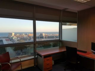 Office space  Pol·ligon les guixeres. Oficina con vistas al mar