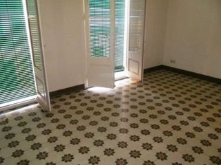 Location Appartement  Carrer moratin. Piso de 3 habitaciones centro