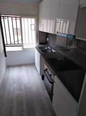 Location Appartement  Sant miquel-joan xxiii. Piso reformado
