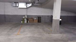 Car parking  Passeig roman fabra. Plaza de parquing