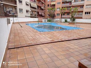Appartamento  A un pas de lâ´ajuntament. Con piscina comunitaria