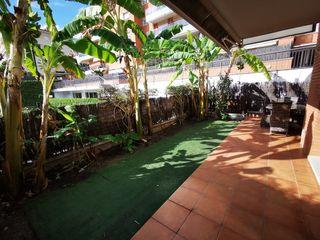 Planta baja  Can pei. Sitges, 2 terrazas, piscina y pk