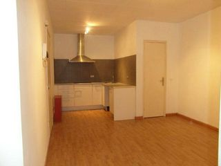 Location Appartement  Centre. Disponible a finales de marzo