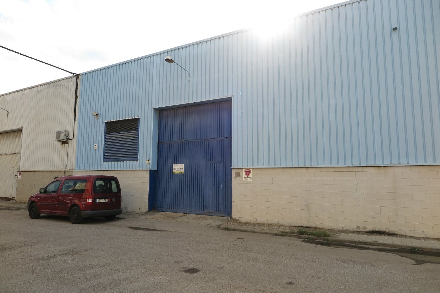 Industrial building  Pol. industrial can volard. Nave industrial parets