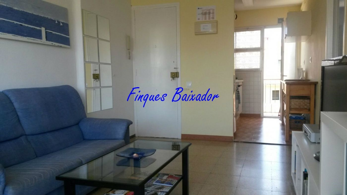 Holiday lettings Flat in Baixador. Apto de temporada. 4 personas