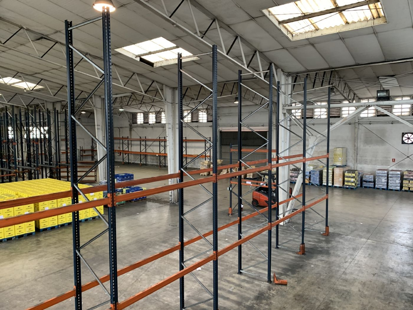 Alquiler Nave industrial  Pol. ind. pont reixat. Nave con patios privativos