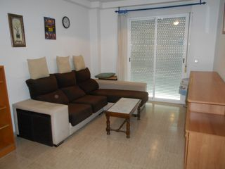 Rent Apartment  Carrer viladomat (de). Apto  zona camping union