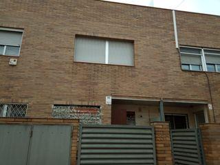 Semi detached house in Carrer poblet, 35