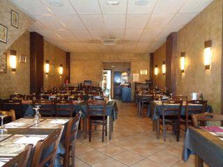 Traspaso Restaurante  Centro pueblo. Restaurante