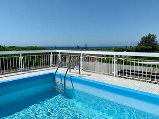 Piso  Playa. Atico único terraza con piscina