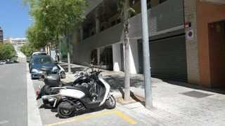 Rent Motorcycle parking in Carrer jaume comas, 16. Parking de moto grande