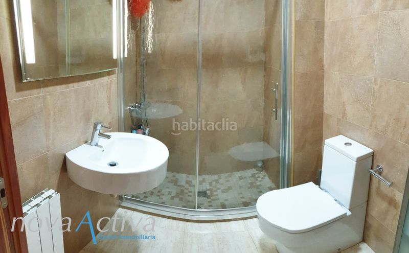 Baño con Ducha. Flat with heating in Riu Sud Santa Coloma de Gramenet