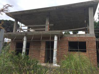 Maison Mas Mora-Sant Daniel. Maison de structure en construction