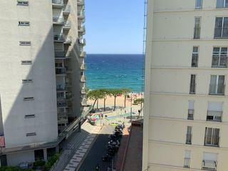 Appartement  Carrer lleida. Apartamento cerca de la playa