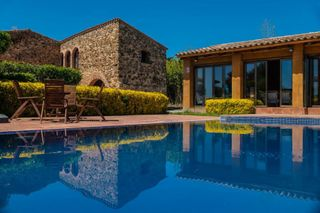 Country house in Mont-ras. Masia restaurada