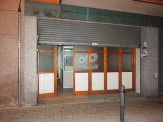 Affitto Locale commerciale  Zona cooperativa. Local en alquiler/100 m2